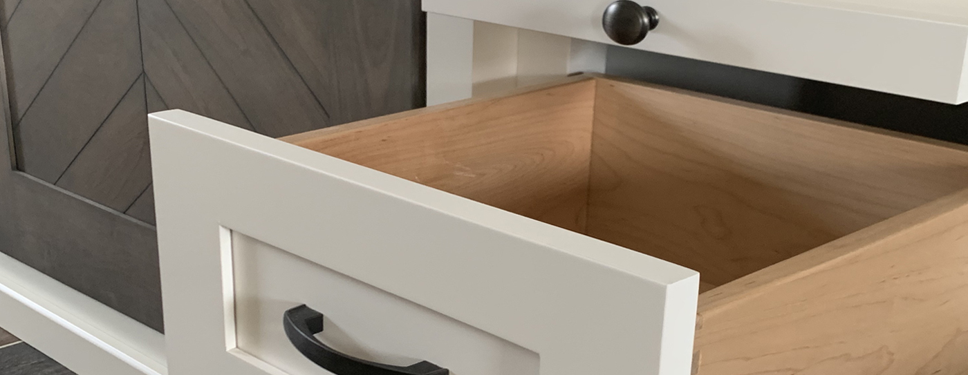 drawer space slider A place for all your stuff.